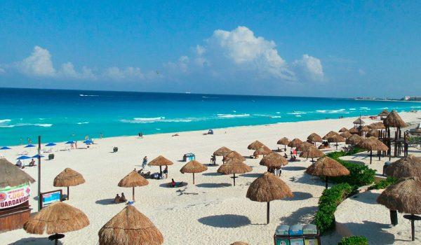 Así se ve Cancún en las playas y zona hotelera por la cuarentena.