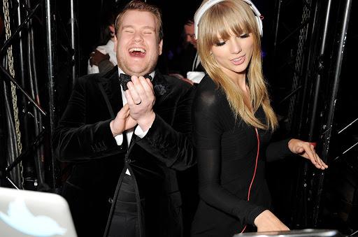 "News: Taylor Swift presenta la serie Dj en casa ""Hits 1 n chill"" en Sirius XM."