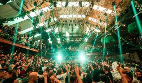 Ibiza no abrirá discotecas en este verano.